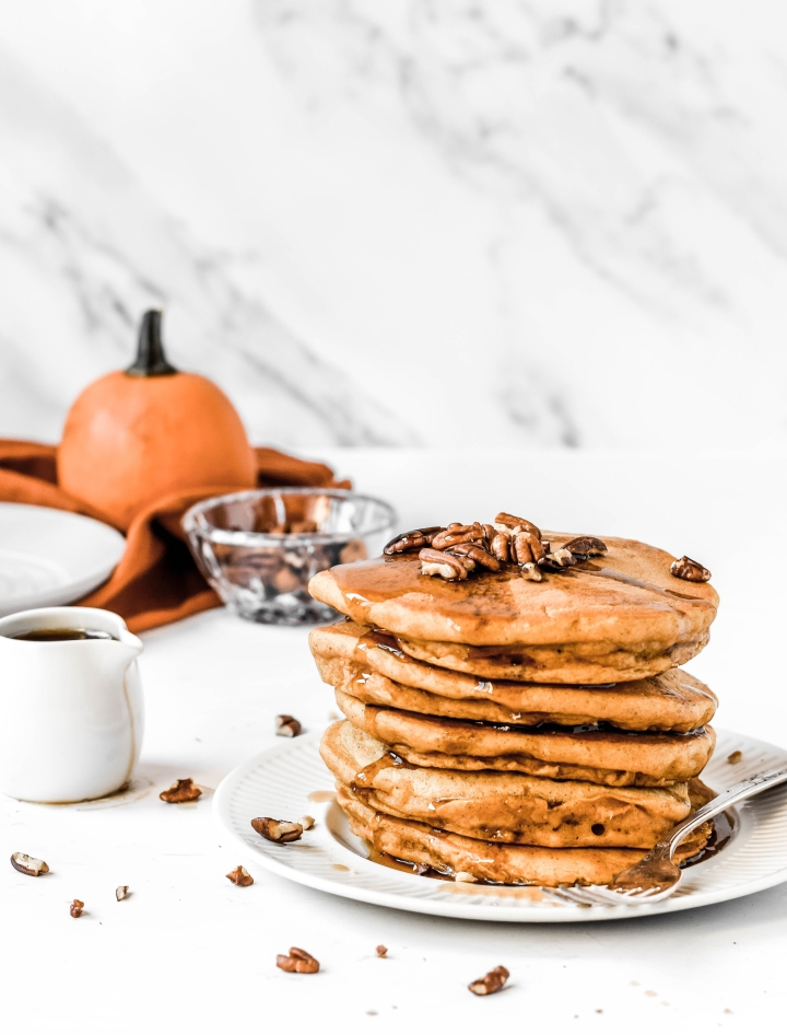 Fluffy Vegan Pumpkin Pancakes